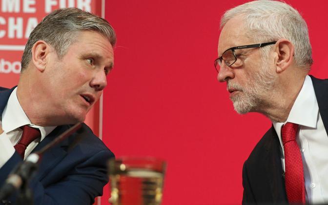 Briti leiboristide uus liider Keir Starmer (vasakul) ja eelmine liider Jeremy Corbyn.