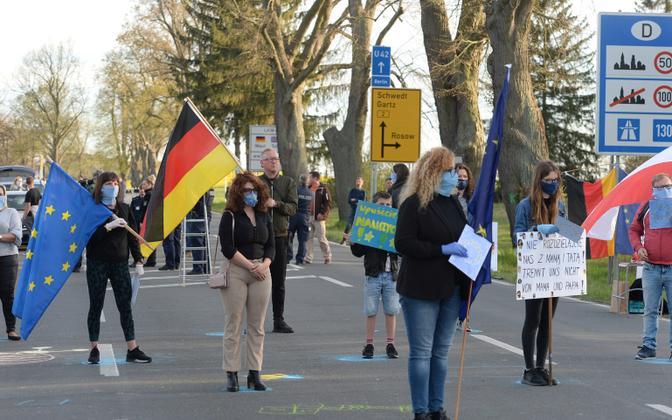 Protestijad Saksa-Poola piiril.