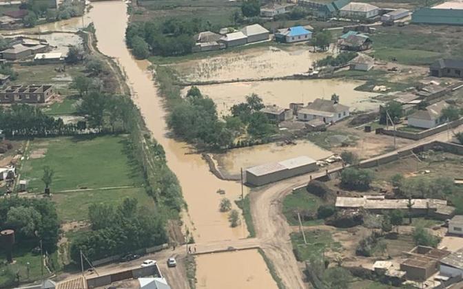 Vaade tammi purunemise tõttu üleujutatud alale Kasahstani Lõuna-Turkestani oblastis.