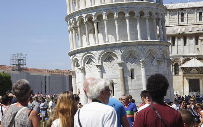Itaalia loodab, et peagi on Pisa linna Piazza del Duomo taas turiste täis.