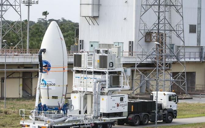 Kanderaketi valmis seadmine Euroopa Kosomoseagentuuri kosmodroomil Prantsuse Guajaanas.