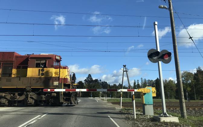 Rong raudteeülesõidul.