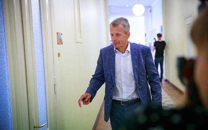 Jürgen Ligi teel riigikogu riigieelarve kontrolli erikomisjoni ja korruptsioonivastase erikomisjoni ühisistungile.