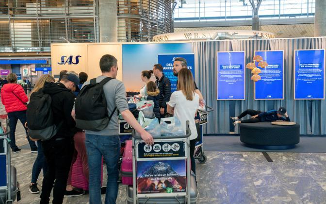 Reisijad Oslo lennujaamas.