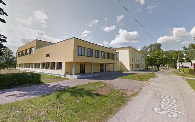 Тапаская русская основная школа.