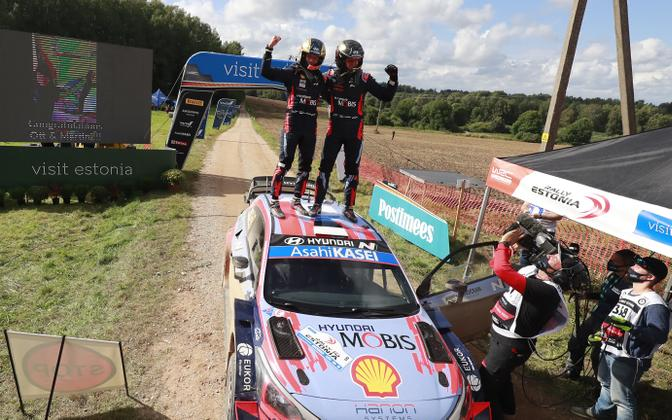 Ott Tänak ja Martin Järveoja Rally Estonia võidu järel