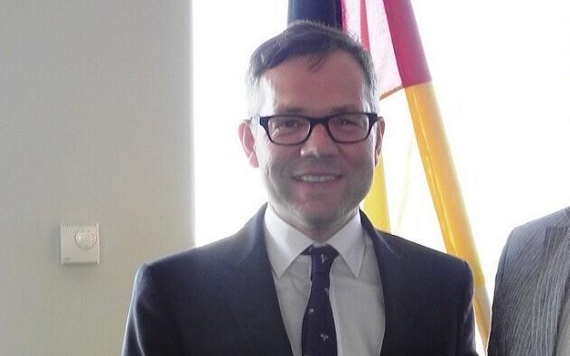 Michael Roth.