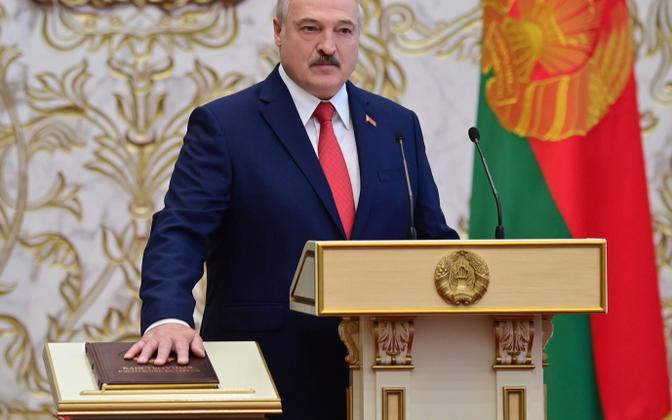 Aleksandr Lukašenko viis kolmapäeval ette teatamata läbi presidendiametisse astumise tseremoonia. Demokraatlikud riigid tema uut ametiaega ei tunnusta.
