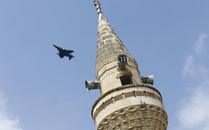 Hävitaja Türgis asuva Incirliki õhuväebaasi lähistel.