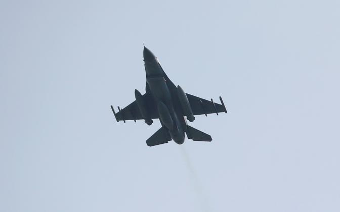 Türgi hävituslennuk F-16.