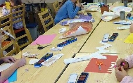 Class-in-progress at the Tallinn Kanuti hobby school (photo is illustrative).