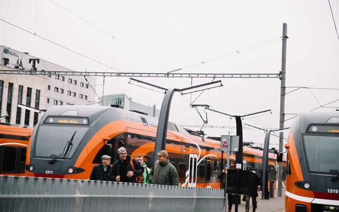 Электрички на Балтийском вокзале в Таллинне.