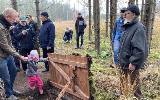 Replica forest brothers bunker at Lebavere, Lääne-Viru County.