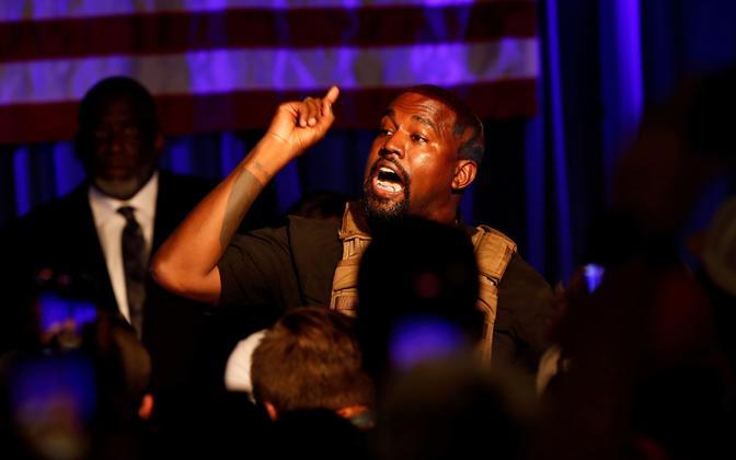 Kanye West suvel oma kampaaniaüritusel.