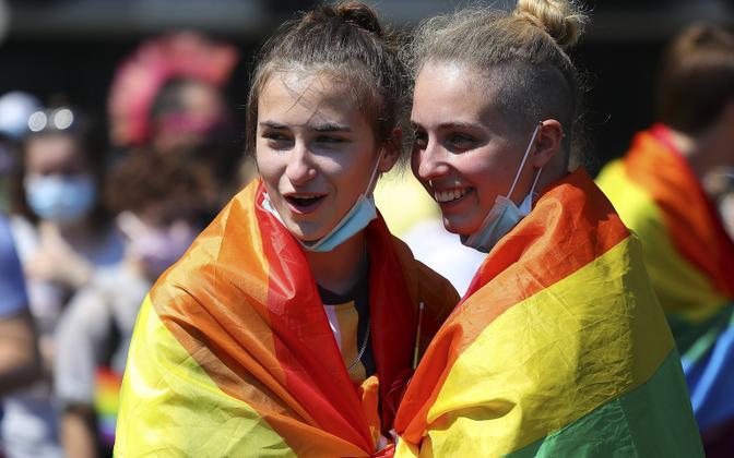 Seksuaalvähemuste totusparaadist osalejad tänavu suvel Berliinis.