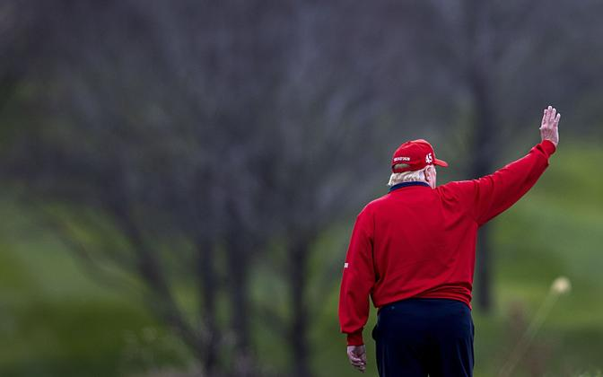 Donald Trump 27. novembril Virginias oma golfiklubis.