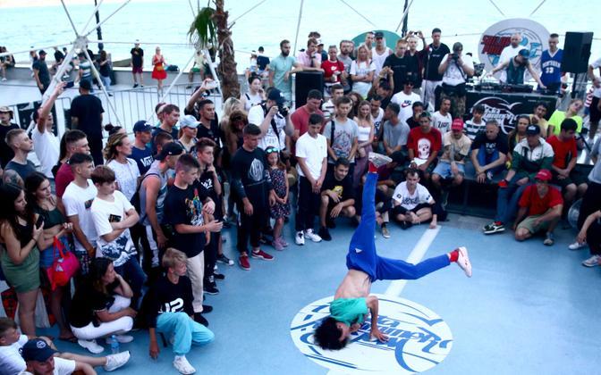Breiktantsija Yalta Summer Jam hip-hopi festivalil