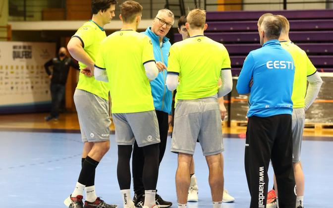 Eesti koondis valmistumas Thomas Sivertssoni juhtnööride järgi kaheks EM-valikmänguks Bosnia ja Hertsegoviinaga