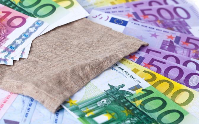 Деньги. Иллюстративная фотография.