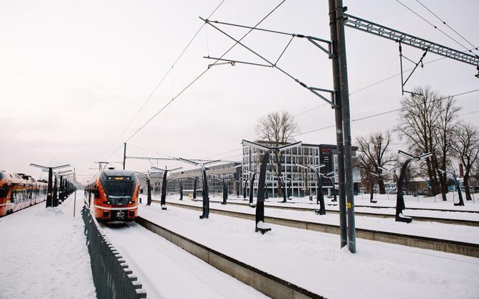 Пожилые жители волости Саку смогут ездить на поездеболеедешево.