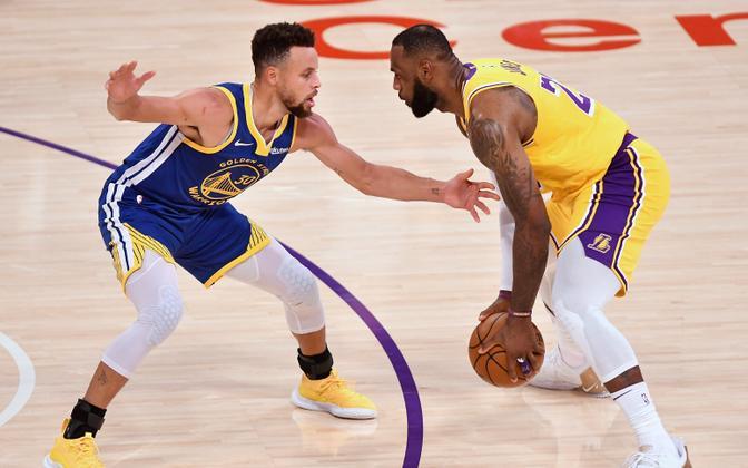 Stephen Curry ja LeBron James