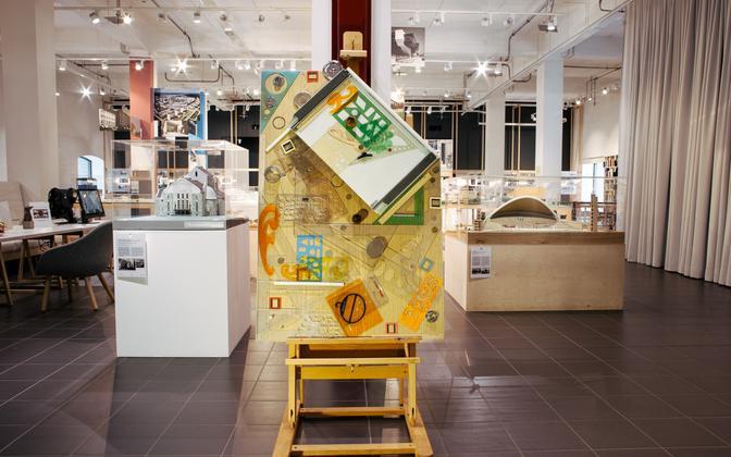 Инсталляция Леонарда Лапина с рабочего стола архитектора – «Инструменты архитектора.Ready made. 2014.»