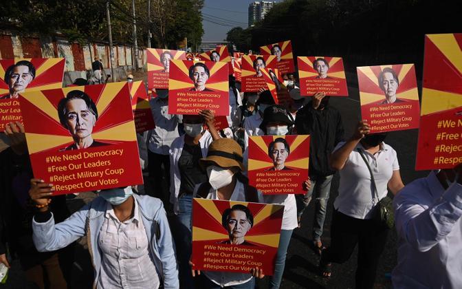 Protestijad Yangonis.