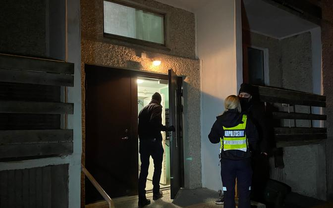 Võhma apartment block stairwell where Monday evening's stabbing took place.