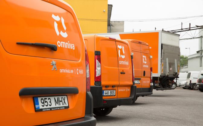 Omniva delivery trucks.