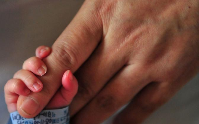 Lapse perelt äravõtmine peaks lapse õiguste konventsiooni järgi olema viimane abinõu tema kaitseks.