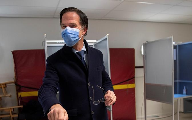 $content['photos'][0]['caption'.lang::suffix($GLOBALS['category']['lang'])]?>