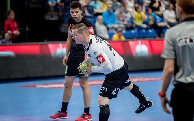Kristo Voika (47) Eesti koondise särgis.