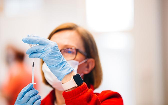 Coronavirus vaccinations taking place at Sõle Sports Center on April 3, 2021.