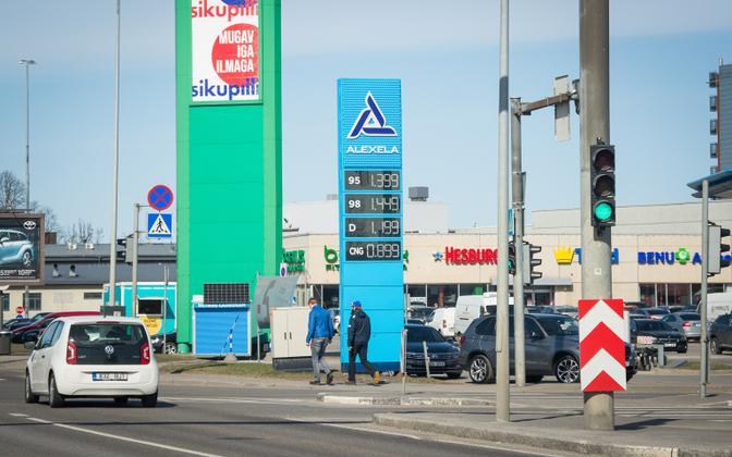 Kütuse hind 15. aprillil Alexela tanklas