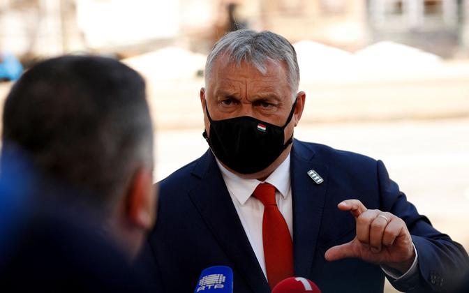 Portosse saabunud Viktor Orban.