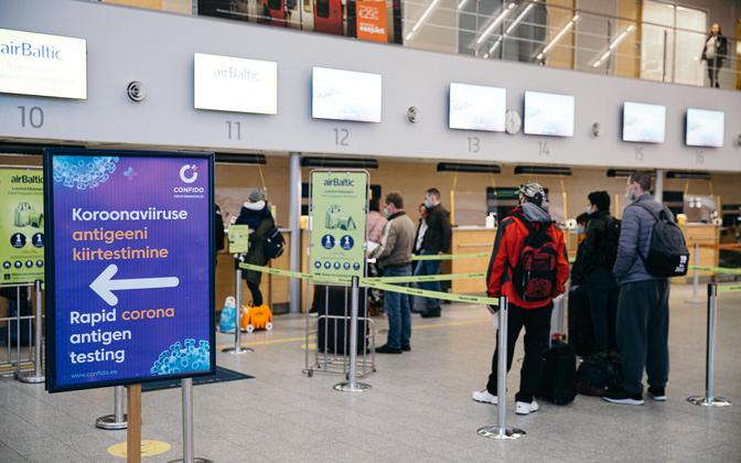 A coronavirus testing sign at Tallinn Airport.