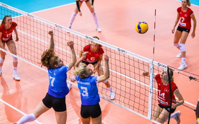 Estonian women's national volleyball team playing against Switzerland.