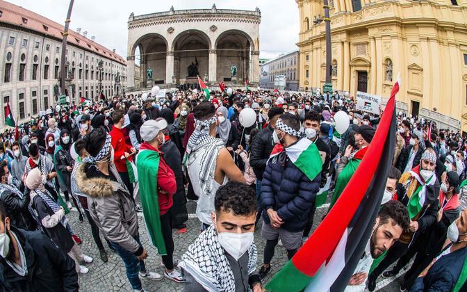 Palestiinameelne meeleavaldus Müncheni kesklinnas 11. mail.
