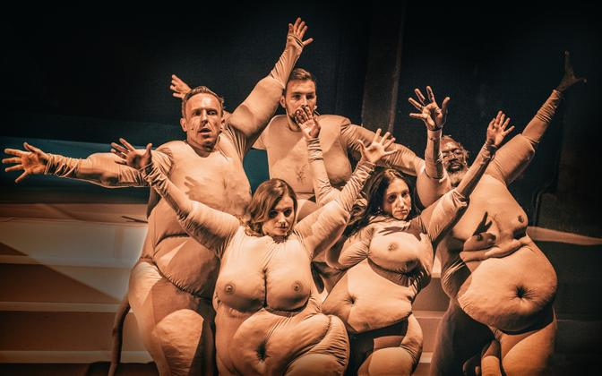 Publicity photo from the Powszechny Theater's production of 'Mein Kampf'.