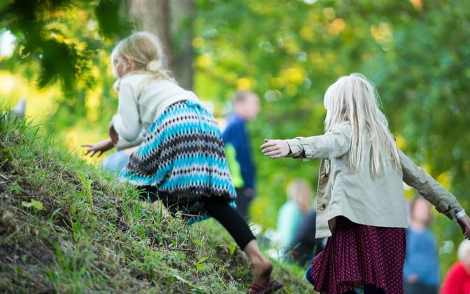 Eesti lasterikaste perede liidu juhatus otsustas oma ridadest välja heita oma Tallinna ja Harjumaa alamorganisatsiooni.