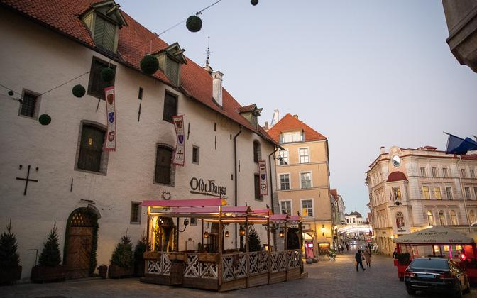 The easing of COVID-19 restrictions, which include restaurant terraces opening, has been accompanied by a rise in mobility out of Tallinn, Telia says.