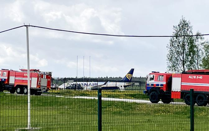 Valgevene võimude nõudel Minski lennuväljal maandunud Ryanairi lennuk.