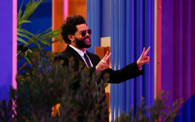 The Weeknd võttis vastu aasta artisti auhinna