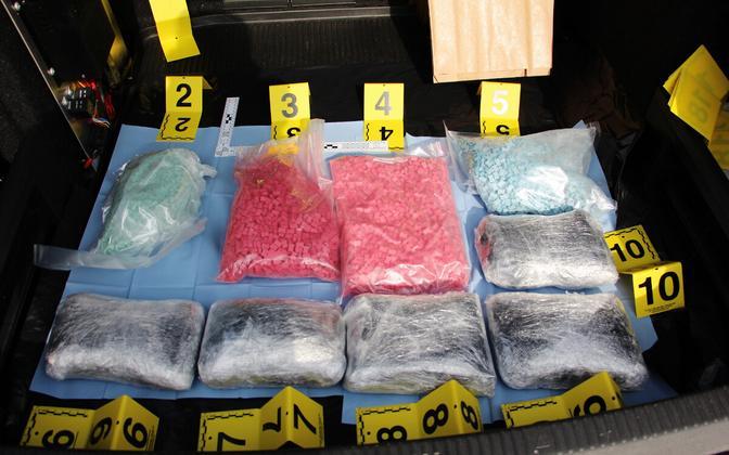 В задержанном грузовике был тайник с наркотиками.
