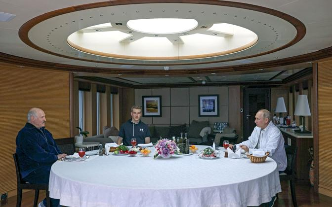 Putin ja Lukašenko jahil õhtust söömas