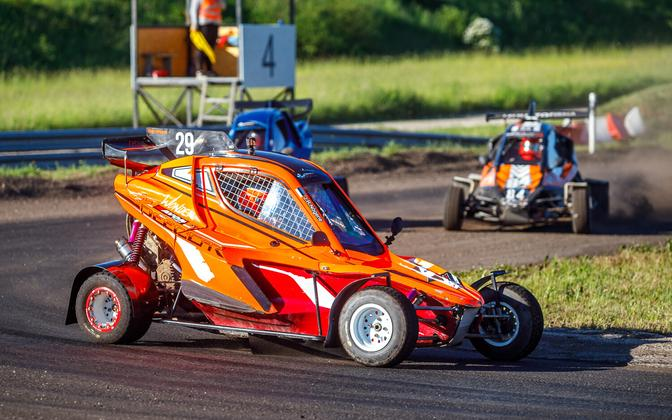 Joosep Ralf Nõgene alustas populaarses krosskartide sarjas hooaega võidukalt