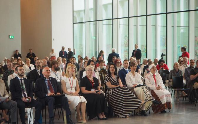 In-person participants at the VIII World Congress of Finno-Ugric peoples on its opening day at the ERM in Tartu, including President Kersti Kaljulaid, and Minister of Culture Anneli Ott.
