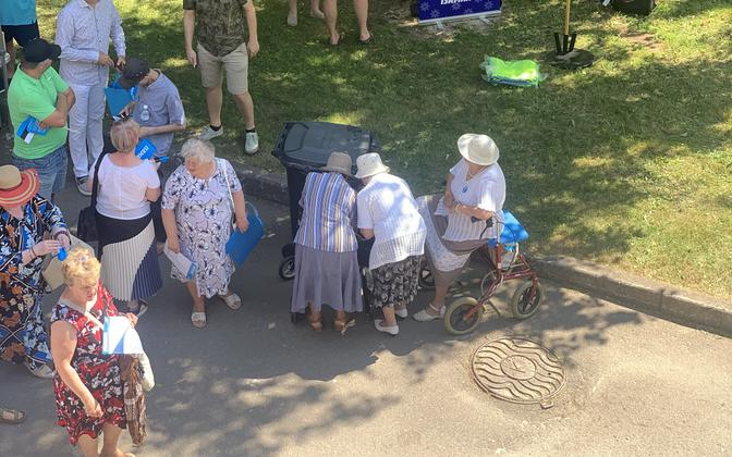 One political party held its extended board meeting in Tartu on a day which saw record-breaking temperatures.