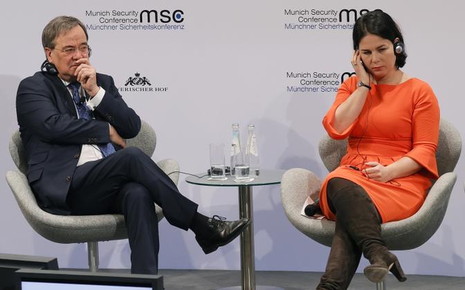 Saksamaa tulevased võimalikud kantslerikandidaadid  Armin Laschet (vasakul) ja Annalena Baerbock Müncheni julgeolekukonverentsil.