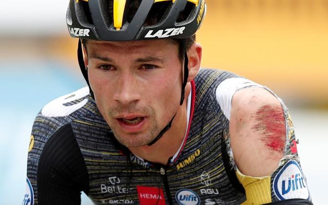 Primoz Roglic pärast kolmandal etapil kukkumist